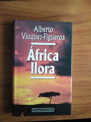 Libro de Alberto Vazquez Figueroa - Africa llora
