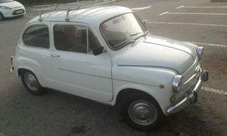 Seat 600 D gasolina antiguo