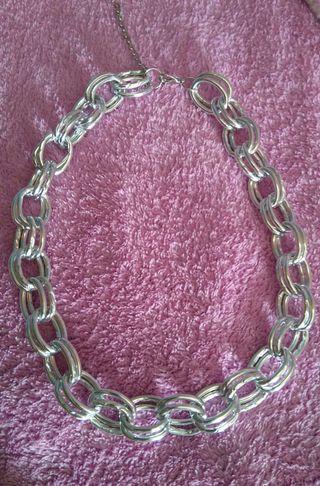 Collar plateado de cadena
