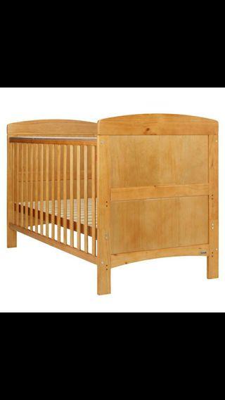 Cuna-cama madera +colchón +2 juegos de cama