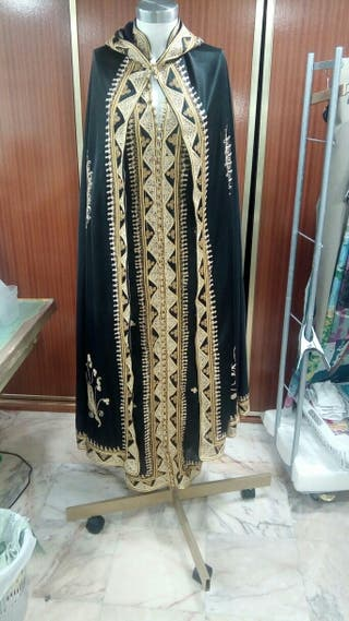 Vestido y capa marroquí