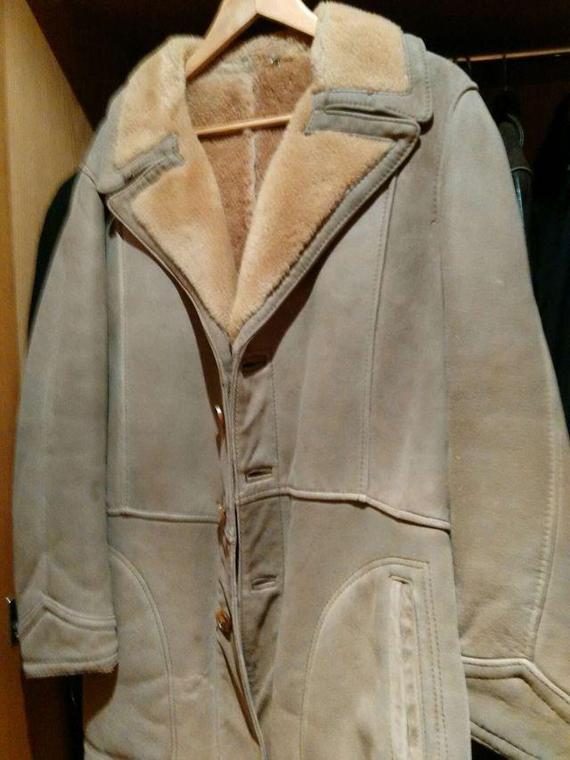 Abrigo de piel muy gruesa abriga mucho