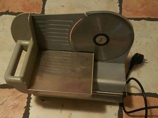 Máquina eléctrica de cortar fiambre