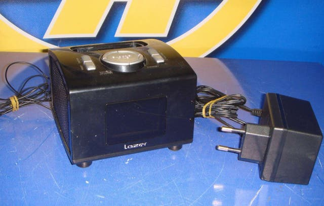 Base altavoz pista ipod Lazer