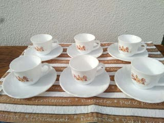 Tazas y platos con dibujo Arcopal