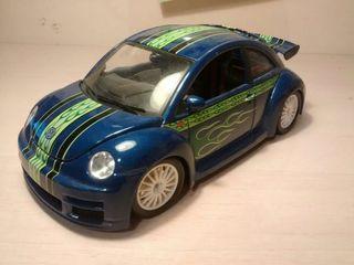 Bburago Volkswagen New Beetle Cup Azul