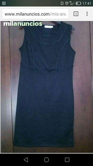 Vestido negro muy bonito