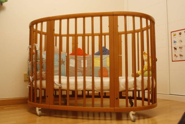 Cuna + Minicuna STOKKE SLEEPI. De 0 a 4 años