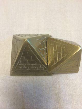 Pirámides De Bronce