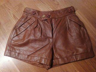 Pantalon corto cuero pepe jeans.
