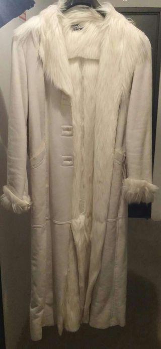 Precioso abrigo largo de piel