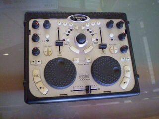 Mesa de mezclas DJ CONTROL HERCULES
