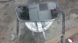 Espejo izquierdo de camion