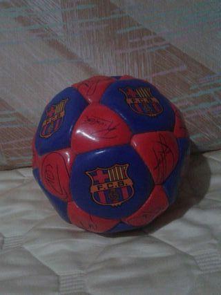 Balón FCB conmemorativo tetra-campio 91-92-93-94 firmado.