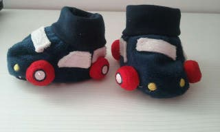Zapatillas casa forma coches