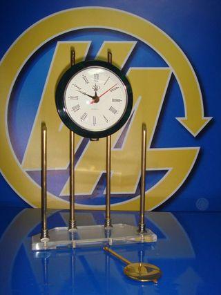 Reloj de péndulo nuevo sin uso