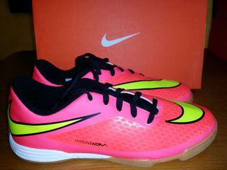 Zapatillas tallas, 37.5 y 38. Nike (hipervenom) nuevas!!