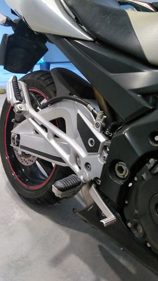 Moto naked suzuki gsr600 impoluta