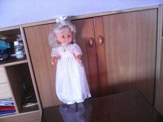 Muñeca de comunión.