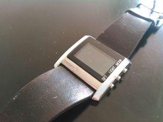 Reloj digital DKNY