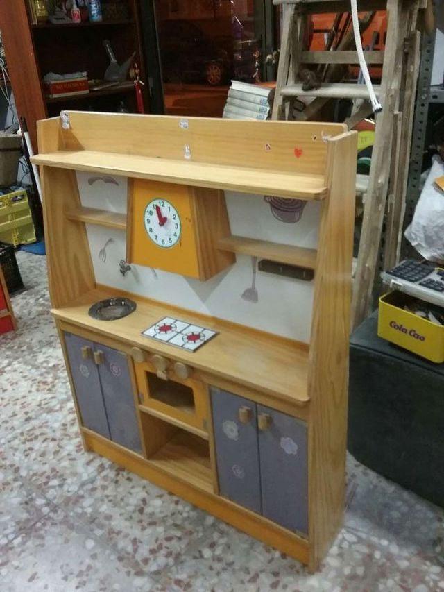 Cocina antigua vintage de madera. De juguete para niñas/ niños . De ...