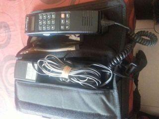Teléfono motorola antiguo