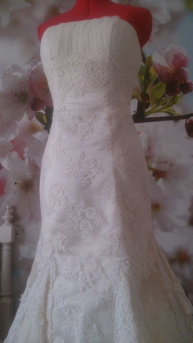 vestido de novia rosa clará de segunda mano por 900 € en huercal