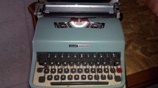 Máquina de es escribir.
