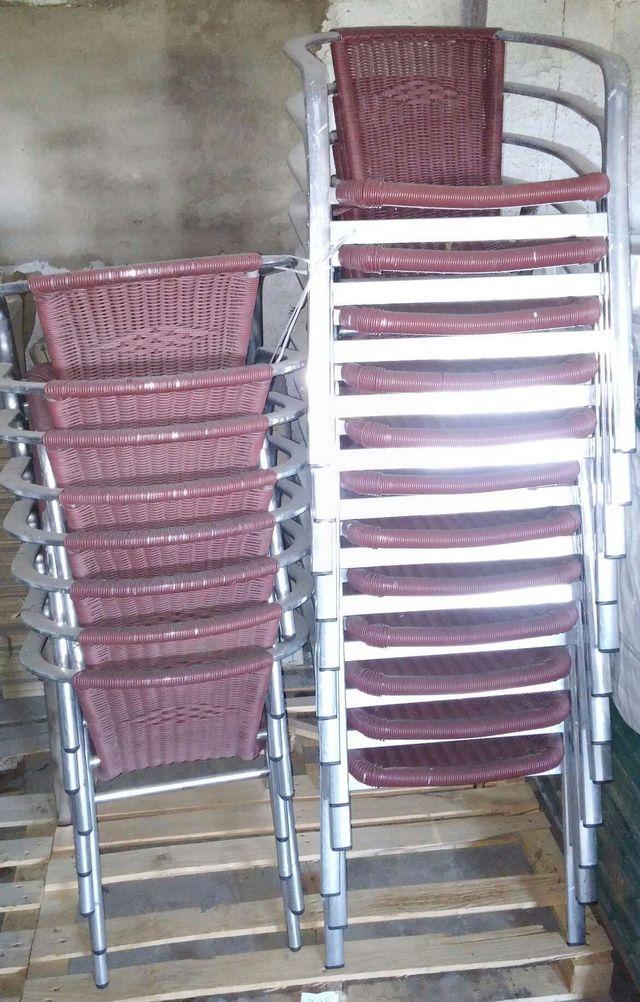 Sillas y mesas de terraza de segunda mano por 99 en toro for Sillas de terraza de segunda mano