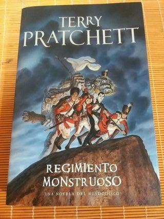 """Libro """""""" Regimiento Monstruoso"""""""
