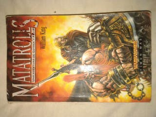 2 libros de warhammer.