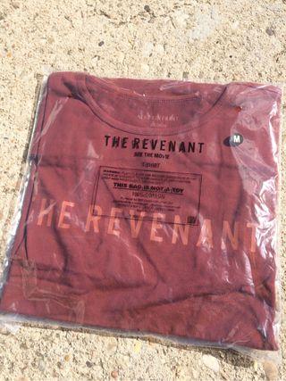 Camiseta y libreta de El Renacido