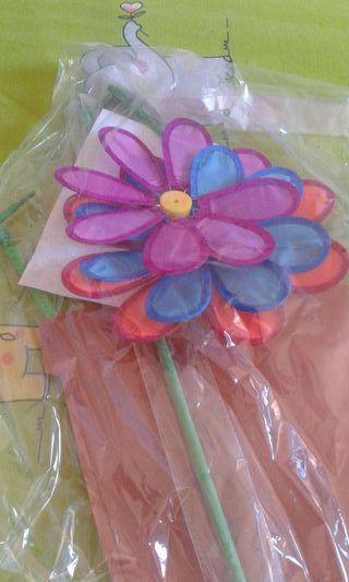 Maceta con 3 molinillos flor