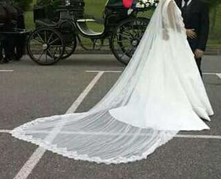 Velo de novia amantillado