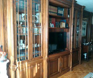 Librería de madera de nogal español