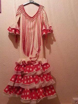 Traje de flamenca si estrenar