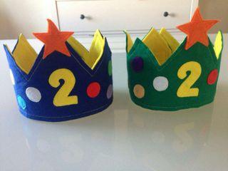 Coronas de cumpleaños de fieltro
