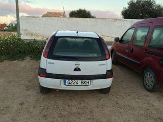 Opel Corsa 1.0 gasolina.
