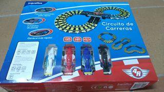 Circuito tipo Scalextric, marca Juguetos.