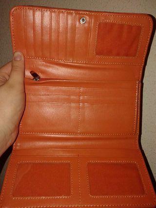 Cartera nueva color naranja