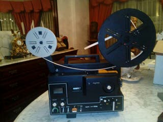 Proyector sonoro Super 8 Raynox