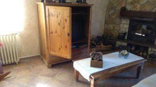 Mueble y mesa rustica