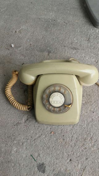 Teléfono antiguo.