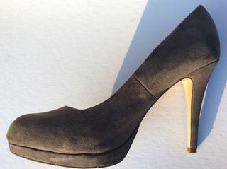 Zapato Tacón. T. 41
