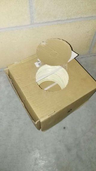 Rollo de cable de telefonía nuevo