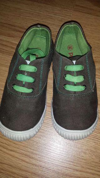 NUEVAS!!! Zapatillas de lona, n°26.