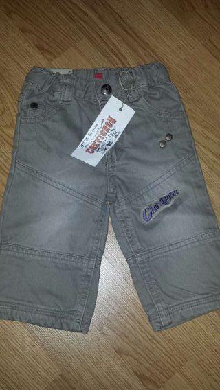 NUEVO!! pantalón CHEVIGNON talla 6 meses