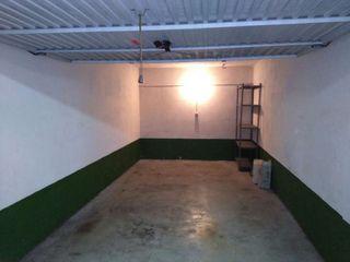 Garaje cerrado de buen tamaño