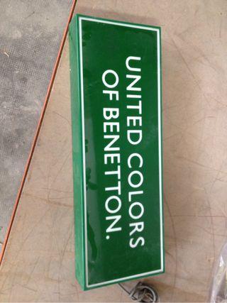 Luminoso Benetton