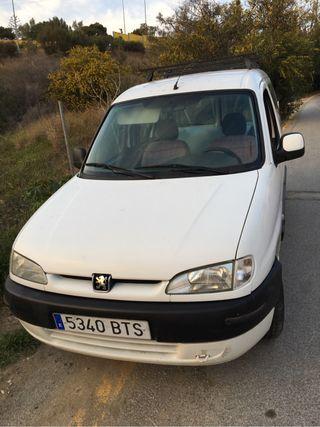 Peugeot Parnet Año 2002